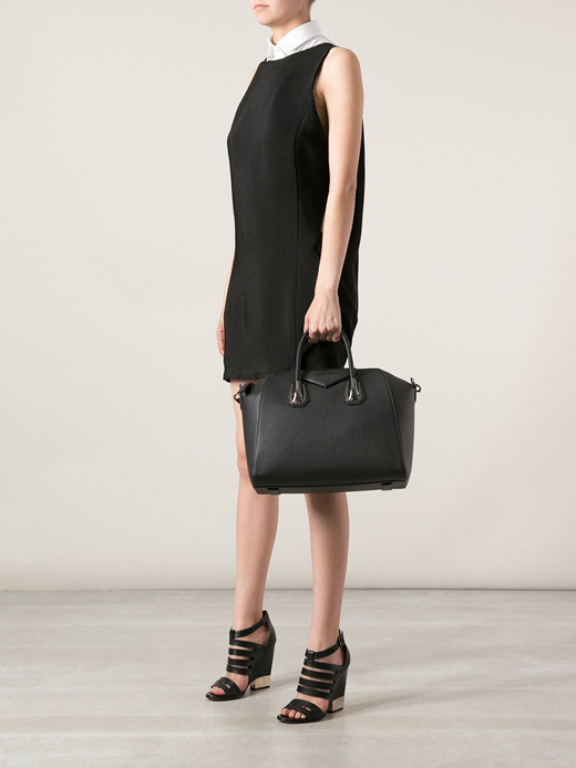 14-Medium-black-Givenchy Antigona
