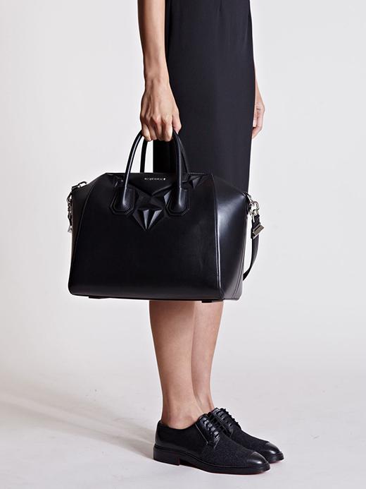 Medium Black Givenchy Antigona